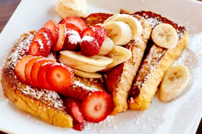 Texas French Toast with Strawberries and Bananas*