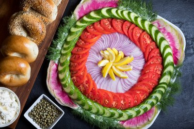 Assorted Bagel Platter -- large